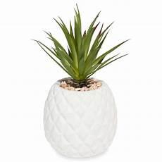 ananas artificiel en pot maisons du monde