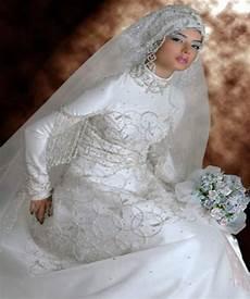 Baju Pengantin Jilbab Baju Pengantin Muslim Dan Model
