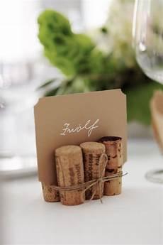tischkarten hochzeit mal anders romantisch rustikale diy hochzeit horn corks