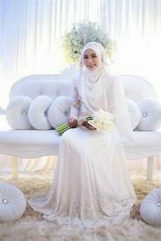 14 Inspirasi Gaun Pengantin Syar I Berwarna Putih Til