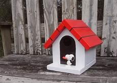 snoopy dog house plans snoopy doghouse birdhouse in 2020 snoopy dog house bird