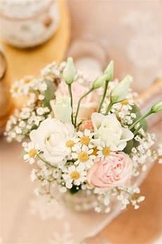 Tischdeko Mit Blumen - blumen bei der tischdeko mit schleierkraut und