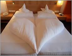 Bett Zur Machen - betten machen hotel anleitung betten house und dekor