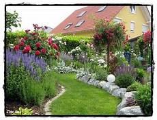 Beeteinfassung Mit Grossen Steinen Gartengestaltung