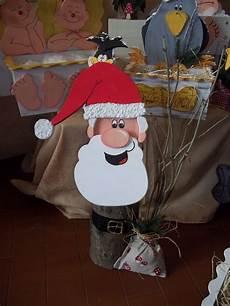 weihnachtsmann deko baumstamm weihnachtsmann basteln