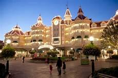 5 hotels in good housekeeping