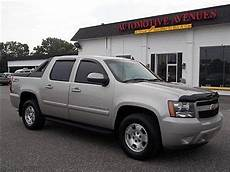 best car repair manuals 2004 chevrolet avalanche 2500 sell used blue 2004 chevrolet avalanche 1500 z66 crew cab pickup 4 door 5 3l 2wd in henderson
