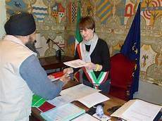 permesso di soggiorno reddito minimo quanto costa la richiesta della cittadinanza italiana