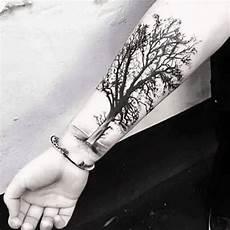 arbre de vie tatouage poignet recherche