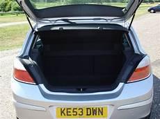 vauxhall astra hatchback 2004 2010 features equipment