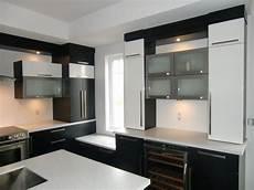 armoire de cuisine style moderne en thermoplastique