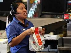 Kitchen Manager Wages by Minimum Wage Discussion Ignores Benefits Business Insider