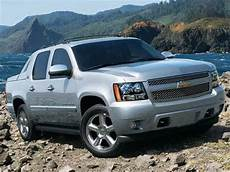 blue book used cars values 2008 chevrolet avalanche navigation system 2013 chevrolet avalanche pricing ratings reviews kelley blue book