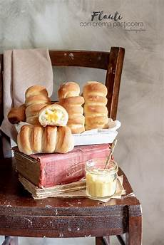 crema pasticcera con albumi flauti con crema pasticcera di pasta brioche con solo albumi brioche pasticceria e colazione
