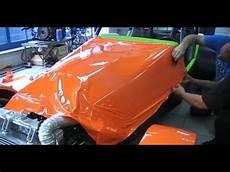 folieren statt lackieren beschichtung einer motorhaub