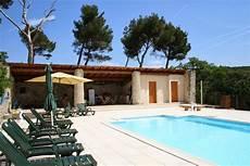 pool house piscine la piscine et environnement la ribelle en provence