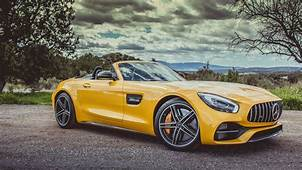 The 2018 Mercedes AMG GT C Roadster Is Hunting For Porsche
