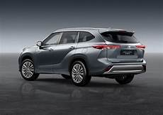toyota hybride 7 places toyota highlander 2021 le suv 224 7 places hybride arrive en europe photo 2 l argus