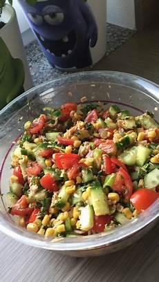 gewächshaus gurken und tomaten tomate gurke mais salat mit thunfisch und petersilie