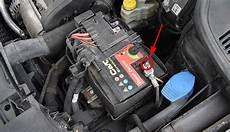 Autobatterie Polo 9n - vw polo 6n schlssel batterie wechseln volkswagen car