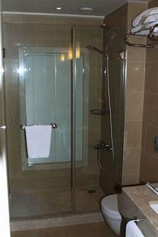 Fenster Im Duschbereich - quot dusche mit fenster quot hotel titanic business europe