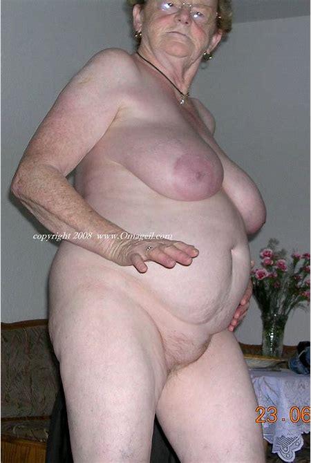 Old omas nude-Sex photo