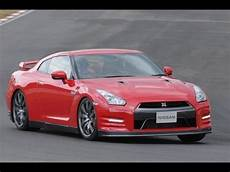 nissan gt r versions nissan gt r 2014 model year test driving report