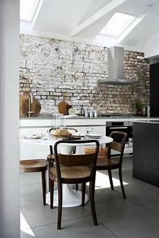 Moderne Küchen Tapeten - backstein tapete wandgestaltung kueche modern effekt weiss