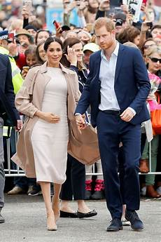 Meghan Markle And Prince Harry Greet In Auckland