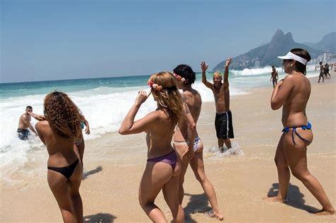 Videos Of Naked Girls Twerking