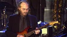 steely dan guitarist walter becker steely dan guitarist dead at 67 chicago tribune