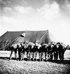 paratroopers of the 1st canadian parachute battalion who the letters v i c t o r y