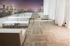 rivestimenti per terrazzi esterni rivestimenti per terrazzi pavimenti per esterni idee