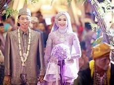 Memilih Model Kebaya Modern Untuk Pesta Pernikahan