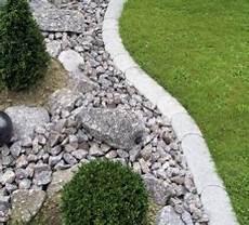 Rasenkantensteine Verlegen Ohne Beton - gebr 252 der m 252 ller ag rasenkantenstein produkte