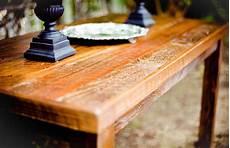 comment nettoyer un vieux meuble en bois cire atelier
