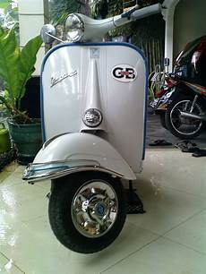 Scoopy Modif Vespa by Harga Motor Bekas Honda Scoopy Vs Vespa 1961