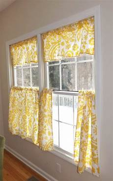 Kitchen Curtains In by 1000 Ideas About Kitchen Curtains On Kitchen
