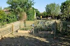Cloture En Grillage Pour Jardin Cl 244 Ture Bois Pour Jardin Potager