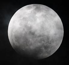 Gambar Gerhana Bulan Penuh 10 Disember 2011 Scaniaz