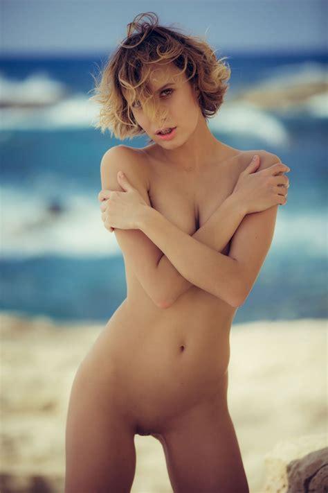 Nud Video