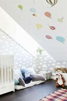kinderzimmer einrichten dachschräge kinderzimmer mit dachschr 228 ge 29 tolle inspirationen f 252 r