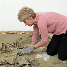 teppichkleber holz entfernen klebereste teppich entfernen
