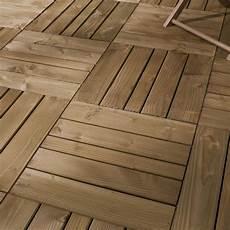 Dalles Pour Terrasse Exterieure Pas Cher Dalle Bois Douglas Nat 233 Rial L 100 X L 100 Cm X Ep 44 Mm