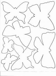 malvorlagen schmetterling jung schmetterlinge vorlage zum ausdrucken und ausschneiden