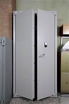 armadietti usati armadio blindato su secondamano it arredamento e