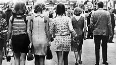 la jupe scandaleuse des sixties devenue un basique l express styles
