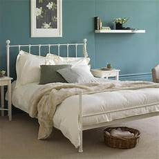 White Metal Bed Bedroom Ideas by 25 Best Ideas About White Iron Beds On White