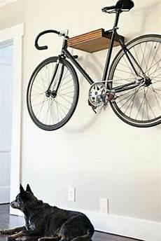 diy fahrradhalter wand abstellst 228 nder holz fahrrad in