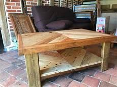 table basse en bois table basse en bois de palette et de r 233 cup 233 ration